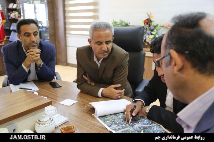 فرماندار جم: تقاطع غیر همسطح چاهه در مسیر جم-فیروزآباد احداث میشود