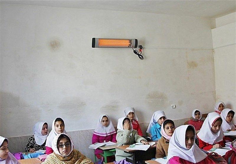 مدیر آموزش و پرورش جم: کمبود معلم و امکانات نداریم/ وسایل گرمایشی تامین شد