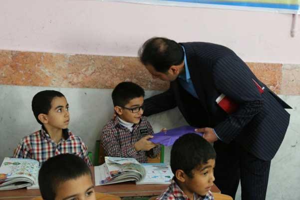 نارضایتی اهالی محمدی آباد از شیوه اداره مدرسه شهید رجایی /پاسخ مدیریت آموزش و پرورش جم