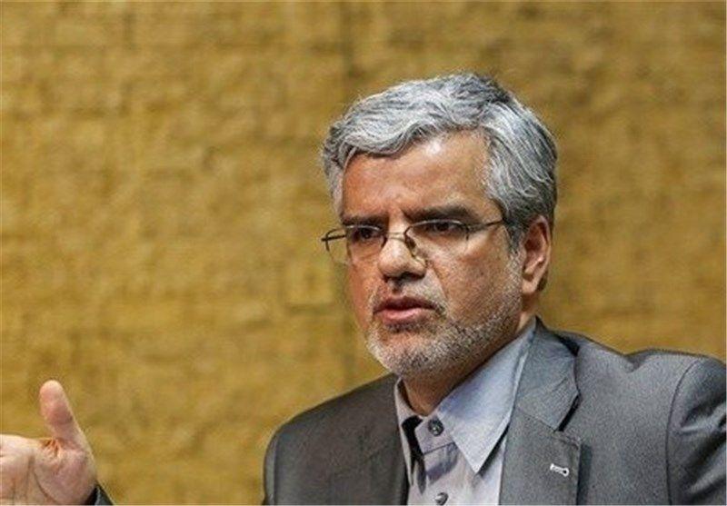 صادقی نماینده مجلس: یادداشت رهبری به لاریجانی درباره بنزین