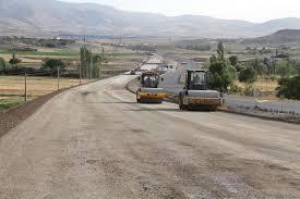 معاون راهداری استان: تکمیل راه ریز،سرچشمه و باغان پول می خواهد