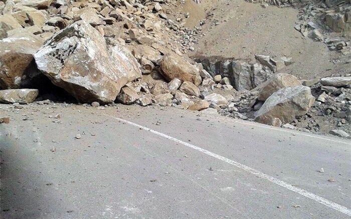 سقوط تخته سنگ در محور جم-سیراف قربانی گرفت
