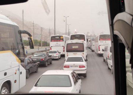 اتلاف بیت المال در تقاطع غیر استاندارد عسلویه!/ رانندگان و کارکنان کلافه شده اند!