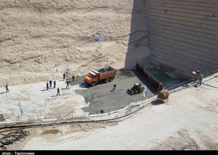 """عملیات بتنریزی غلطکی بدنه سد """"باغان"""" با حضور استاندار آغاز شد/تامین اعتبار از محل فاینانس ۳۳۵ میلیون یوان چین+تصاویر"""